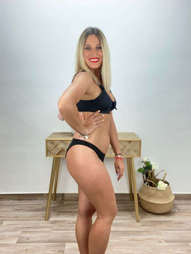 posat divina bikini canale negro