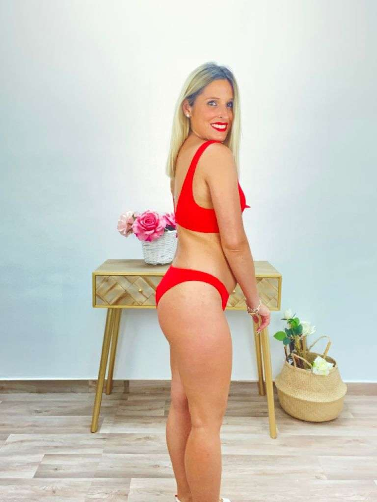 posat divina bikini canale rojo