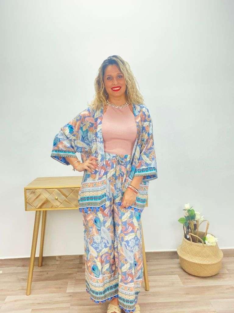 posat divina kimono plumas