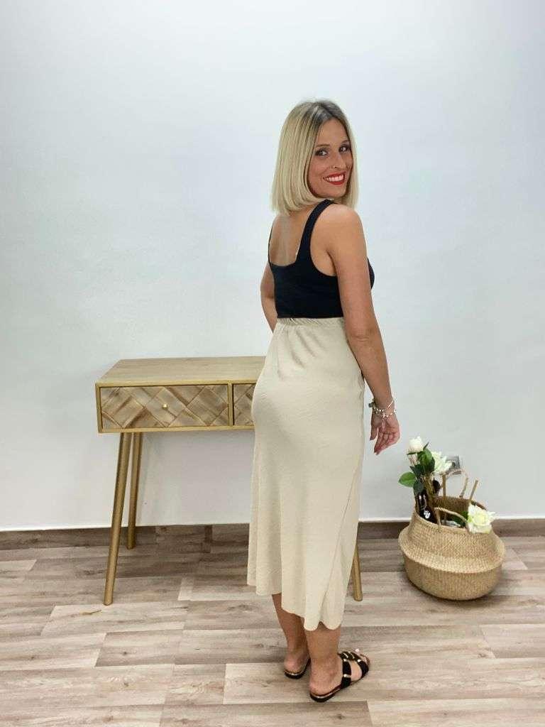 posa't divina falda nudo